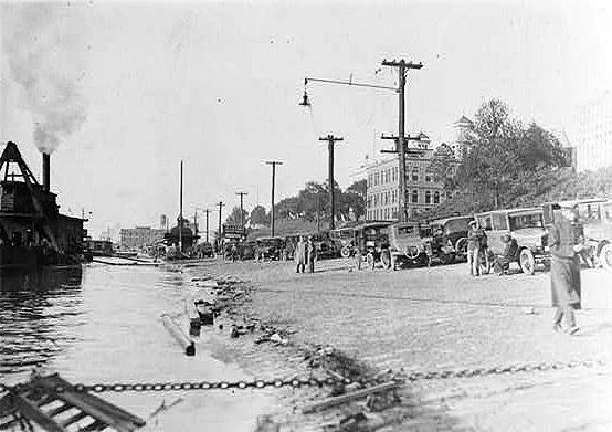 [Image: cobblestone-1920s.jpg]
